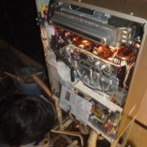 給湯器は壊れたら修理?交換?